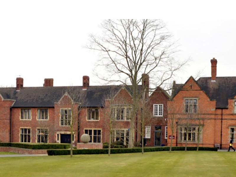 Bromsgrove Summer School (8 – 17 лет)