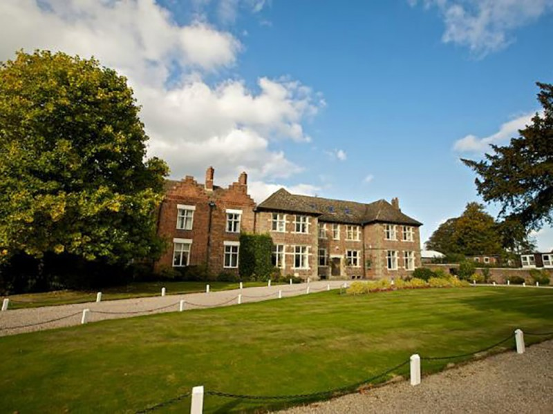 Kings Summer, Moreton Hall (3 – 13 лет)