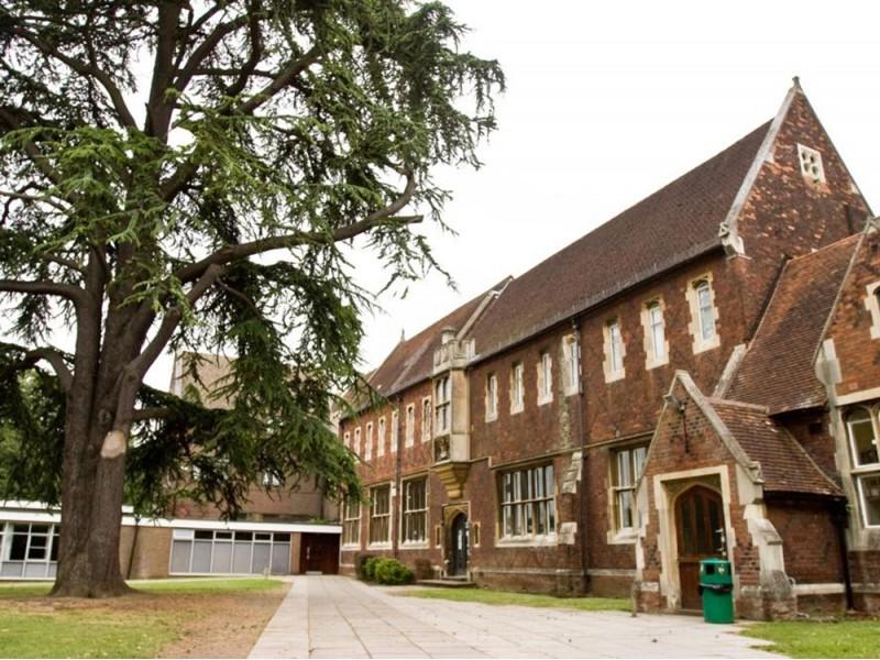 Studio Cambridge, Sir Henry (10 – 16 лет)