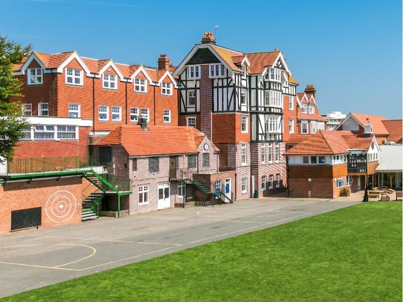Bede's, Eastbourne (6 – 11 лет)