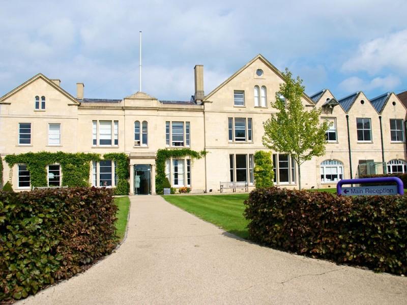 British Study Centres, Wycliffe College (8 – 17 лет)
