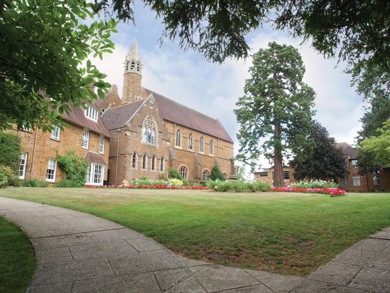 Bell, Bloxham School (7 – 17 лет)