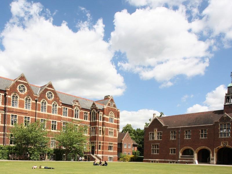 Bell, The Leys School (11 – 17 лет)