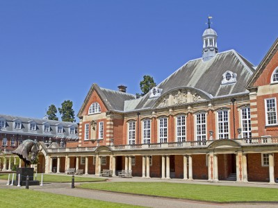 Bell, Wellington College (12 – 17 лет)