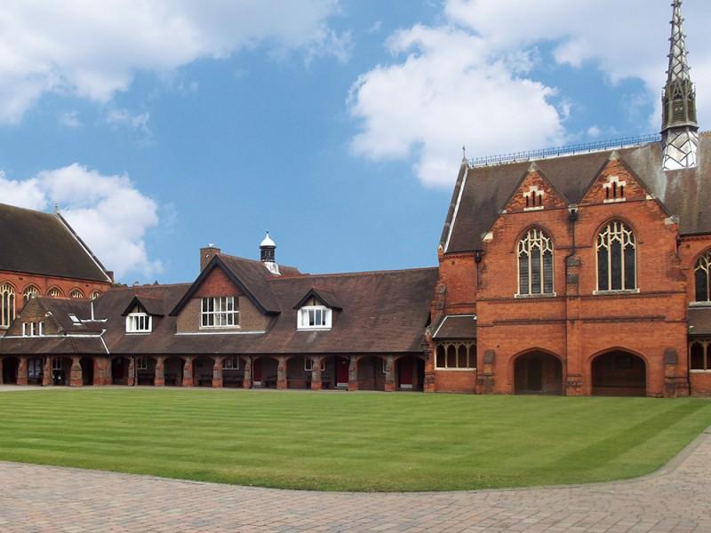 LAL, Berkhamsted School (9 – 17 лет)